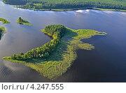 Озеро Селигер и его острова с высоты полёта. Стоковое фото, фотограф Елена Коромыслова / Фотобанк Лори