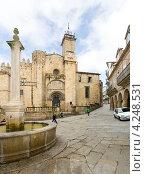 Купить «Кафедральный собор в городе Оренсе. Испания», эксклюзивное фото № 4248531, снято 26 сентября 2012 г. (c) Владимир Чинин / Фотобанк Лори