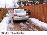 Купить «Toyota Avensis - легковой японский автомобиль», фото № 4283863, снято 17 апреля 2011 г. (c) Павел Кричевцов / Фотобанк Лори