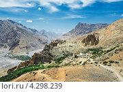 Купить «Индия, Гималаи, монастырь Данкар», фото № 4298239, снято 2 июля 2012 г. (c) Дмитрий Калиновский / Фотобанк Лори