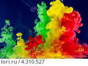 Движение разноцветной жидкости. Стоковое фото, фотограф Смирнов Константин / Фотобанк Лори