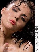 Купить «Очаровательная молодая женщина принимает душ», фото № 4312499, снято 17 мая 2008 г. (c) Syda Productions / Фотобанк Лори