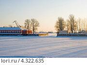 Купить «Кронштадтская гавань», эксклюзивное фото № 4322635, снято 11 февраля 2012 г. (c) Александр Щепин / Фотобанк Лори