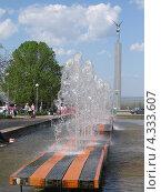 Фонтан на площади Славы в Самаре (2012 год). Редакционное фото, фотограф Вадим Янгунаев / Фотобанк Лори
