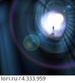 Купить «Свет в конце тоннеля. Фигура человека на фоне ярко освещенного выхода», фото № 4333959, снято 22 октября 2018 г. (c) Sergey Nivens / Фотобанк Лори
