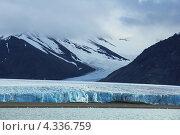 Арктический пейзаж с ледником на архипелаге Шпицберген (2012 год). Стоковое фото, фотограф Наталия Давидович / Фотобанк Лори