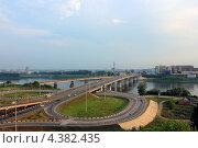 Развязка перед Кузнецким мостом, Кемерово (2012 год). Стоковое фото, фотограф Михаил Балберов / Фотобанк Лори