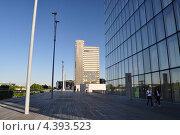 Библиотека Миттерана, Париж (2012 год). Редакционное фото, фотограф Арина Гредина / Фотобанк Лори