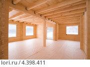 Купить «Комнаты нового деревянного дома из клеёного бруса», эксклюзивное фото № 4398411, снято 1 марта 2013 г. (c) Владимир Чинин / Фотобанк Лори