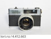 Фотоаппарат Fujica Compact Deluxe (2013 год). Редакционное фото, фотограф Вячеслав Бондаренко / Фотобанк Лори