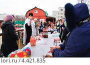 Купить «Освящение куличей и яиц в канун Пасхи», эксклюзивное фото № 4421835, снято 14 апреля 2012 г. (c) Алёшина Оксана / Фотобанк Лори