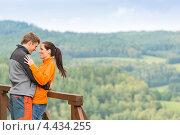 Купить «Счастливая пара на фоне леса», фото № 4434255, снято 11 августа 2012 г. (c) CandyBox Images / Фотобанк Лори