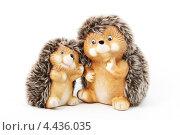 Два игрушечных ёжика. Стоковое фото, фотограф CHERKAUSKAS VIKTOR / Фотобанк Лори