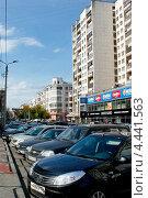 Купить «Улицы Челябинска», фото № 4441563, снято 8 сентября 2012 г. (c) Хайрятдинов Ринат / Фотобанк Лори
