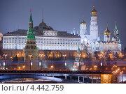 Ночной вид на Московский Кремль (2013 год). Редакционное фото, фотограф Георгий Курятов / Фотобанк Лори