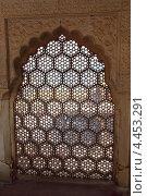 Окно с орнаментом, Индия (2012 год). Стоковое фото, фотограф Михаил Коханчиков / Фотобанк Лори