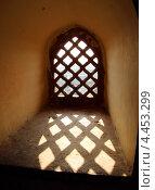 Зарешеченное окно, Индия (2012 год). Стоковое фото, фотограф Михаил Коханчиков / Фотобанк Лори