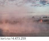 Купить «Туманная дымка ранним утром в Рузском районе Московской области», фото № 4473259, снято 27 мая 2012 г. (c) Liseykina / Фотобанк Лори