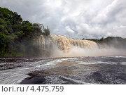 Водопады в парке Канайма, Венесуэлла (2012 год). Стоковое фото, фотограф Кравченко Юлия / Фотобанк Лори