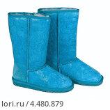 Купить «Голубые сапоги угги, изолировано на белом фоне», фото № 4480879, снято 28 февраля 2013 г. (c) Игорь Долгов / Фотобанк Лори