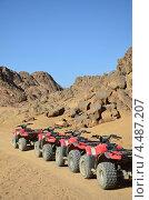 Квадроциклы в пустыне. Стоковое фото, фотограф Анфимов Леонид / Фотобанк Лори