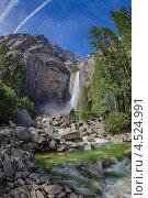 Водопад в Йосемити. Стоковое фото, фотограф light / Фотобанк Лори
