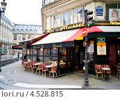 Купить «Кафе в Париже», эксклюзивное фото № 4528815, снято 2 марта 2013 г. (c) Михаил Ворожцов / Фотобанк Лори