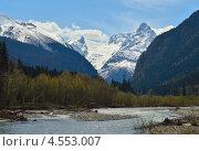 Купить «Домбай весной. Северный Кавказ», фото № 4553007, снято 15 апреля 2013 г. (c) александр жарников / Фотобанк Лори