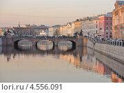 Купить «Санкт-Петербург. Река Фонтанка», эксклюзивное фото № 4556091, снято 22 апреля 2013 г. (c) Александр Алексеев / Фотобанк Лори