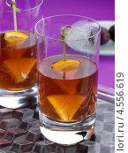Купить «Алкогольный фруктовый коктейль, пиммс», фото № 4556619, снято 21 октября 2018 г. (c) Food And Drink Photos / Фотобанк Лори