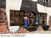 Купить «Австрия. Венский Дом Искусств – KunstHausWien. Музей  Хундертвассера. Фрагмент фасада», фото № 4564627, снято 1 апреля 2013 г. (c) Виктория Катьянова / Фотобанк Лори