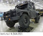 Тюнингованный Land Rover Defender (2013 год). Редакционное фото, фотограф Данила Васильев / Фотобанк Лори