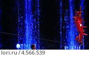 Купить «Актер катается на велосипеде в цирке», видеоролик № 4566539, снято 1 февраля 2013 г. (c) Данил Руденко / Фотобанк Лори