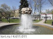 Купить «Балашиха,фонтан», эксклюзивное фото № 4611011, снято 9 мая 2013 г. (c) Дмитрий Неумоин / Фотобанк Лори
