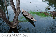 Старая лодка (2012 год). Стоковое фото, фотограф Юлия Деденок / Фотобанк Лори