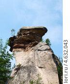 Скала необычной формы в каменном городе. Пермский край. Стоковое фото, фотограф Евгений Ткачёв / Фотобанк Лори