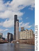 Вид с реки на красивые небоскребы Чикаго (2013 год). Редакционное фото, фотограф Анна Сапрыкина / Фотобанк Лори