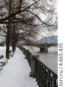 Купить «Набережная реки Влтава. Прага, Чехия», фото № 4665435, снято 13 марта 2013 г. (c) Дмитрий Ковязин / Фотобанк Лори