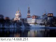 Купить «Новодевичий монастырь», фото № 4668251, снято 20 ноября 2008 г. (c) Дарья Филин / Фотобанк Лори