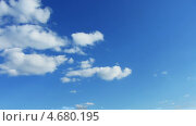 Купить «Облака в небе, таймлапс», видеоролик № 4680195, снято 27 мая 2013 г. (c) Михаил Коханчиков / Фотобанк Лори