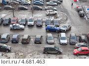 Купить «Автомобильная авария и экипаж ГИБДД, прибывший к месту ДТП», фото № 4681463, снято 26 марта 2013 г. (c) Кекяляйнен Андрей / Фотобанк Лори
