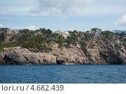 Скалистый морской берег, Port de Soller, Майорка, Испания (2011 год). Стоковое фото, фотограф Юлия Белоусова / Фотобанк Лори