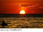 Купить «Романтический закат остров Боракай», фото № 4698071, снято 24 марта 2013 г. (c) Василий Сорокин / Фотобанк Лори