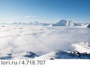 Купить «Море облаков на склонах Эльбруса», фото № 4718707, снято 7 мая 2013 г. (c) Дмитрий Шульгин / Фотобанк Лори