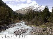 Купить «Река Терскол в Приэльбрусье», фото № 4718711, снято 11 мая 2013 г. (c) Дмитрий Шульгин / Фотобанк Лори
