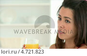 Купить «Young asian woman drinking orange juice», видеоролик № 4721823, снято 5 августа 2020 г. (c) Wavebreak Media / Фотобанк Лори