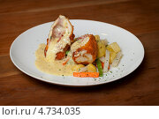 Купить «Куриная грудка «Кордон блю»», фото № 4734035, снято 20 сентября 2012 г. (c) pzAxe / Фотобанк Лори