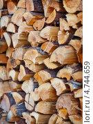 Купить «Дрова в поленнице крупным планом», фото № 4744659, снято 14 августа 2011 г. (c) pzAxe / Фотобанк Лори