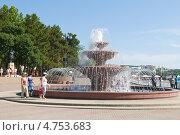 Купить «Лермонтовский бульвар с фонтаном, город-курорт Геленджик», эксклюзивное фото № 4753683, снято 12 июня 2013 г. (c) Игорь Архипов / Фотобанк Лори
