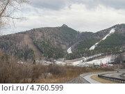 Весна  на горнолыжном.Урочище Каштак.Слаломные спуски. Стоковое фото, фотограф Александр Тубол / Фотобанк Лори